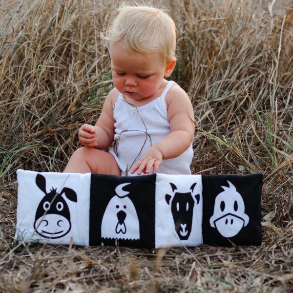 High contrast images baby book On The Farm